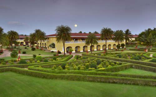 Odihnă în India, Hotel The Lalit Golf & Spa