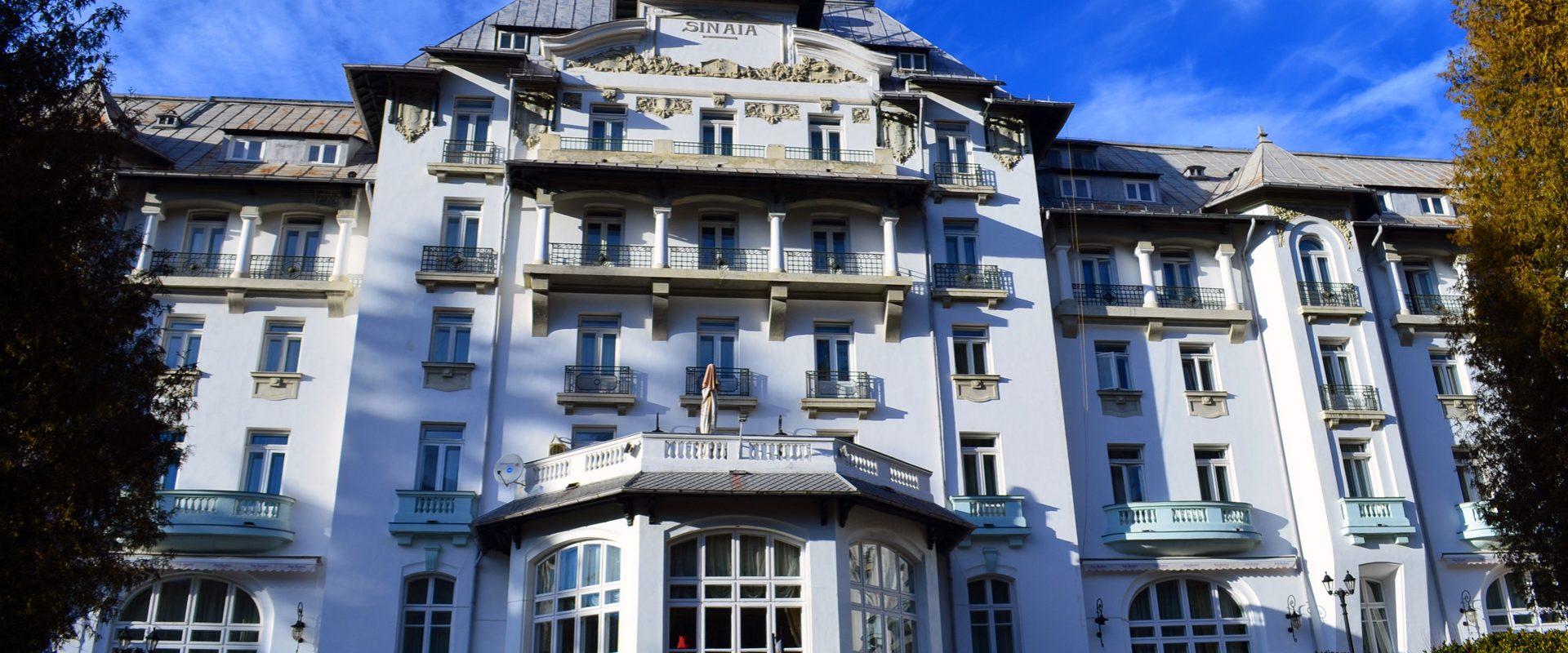 Vacanță la munte în România, Sinaia, Hotel Palace