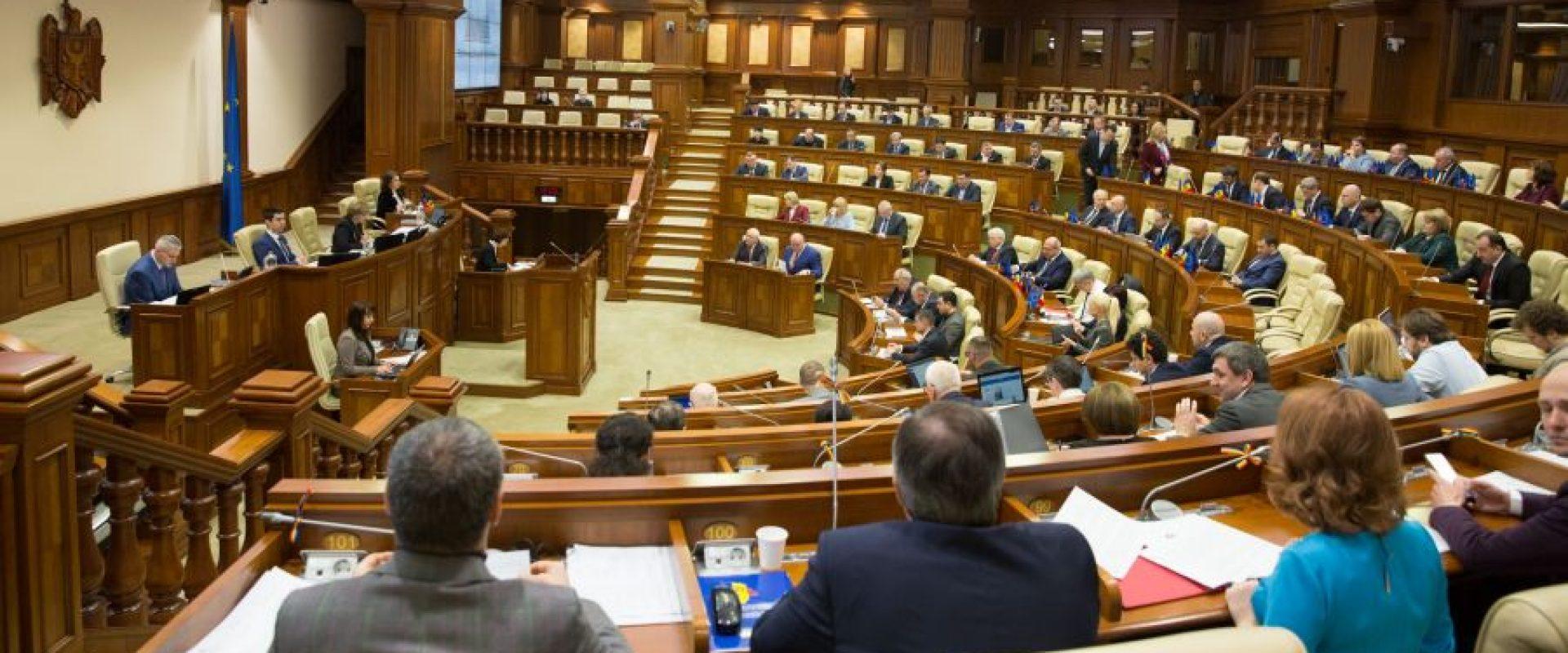 Parlamentul a votat! Agențiile de turism au dreptul să restituie banii până la 540 zile
