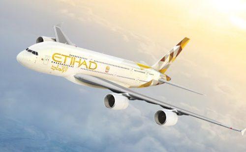 Compania aeriană Etihad va oferi pasagerilor asigurare COVID-19